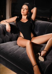 Eva, Escorts.cm escort, GFE Escorts.cm – GirlFriend Experience